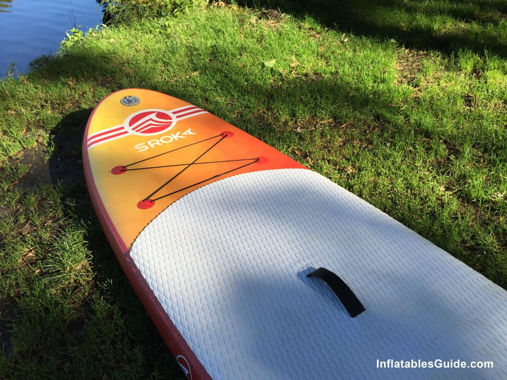 Sroka Malibu 10'6 inflatable SUP - storage bungee and deck pad